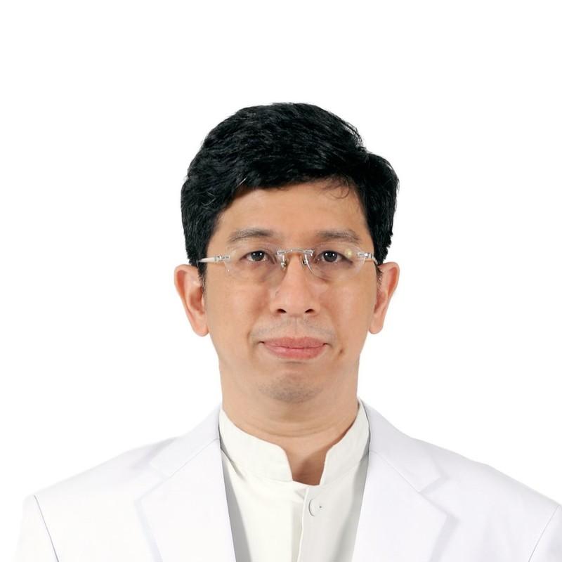 Assistant Professor Punnarerk Thongcharoen